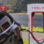 Beelőzte a Tesla a Porschét?