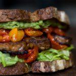 Egyre keserűbb a dupla ír-holland szendvics