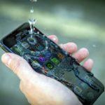 Perelik a Samsungot, mert nem vízállóak a mobiljai