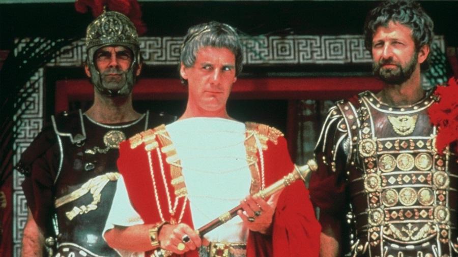 Piklátus és a palotaőrség két tagja