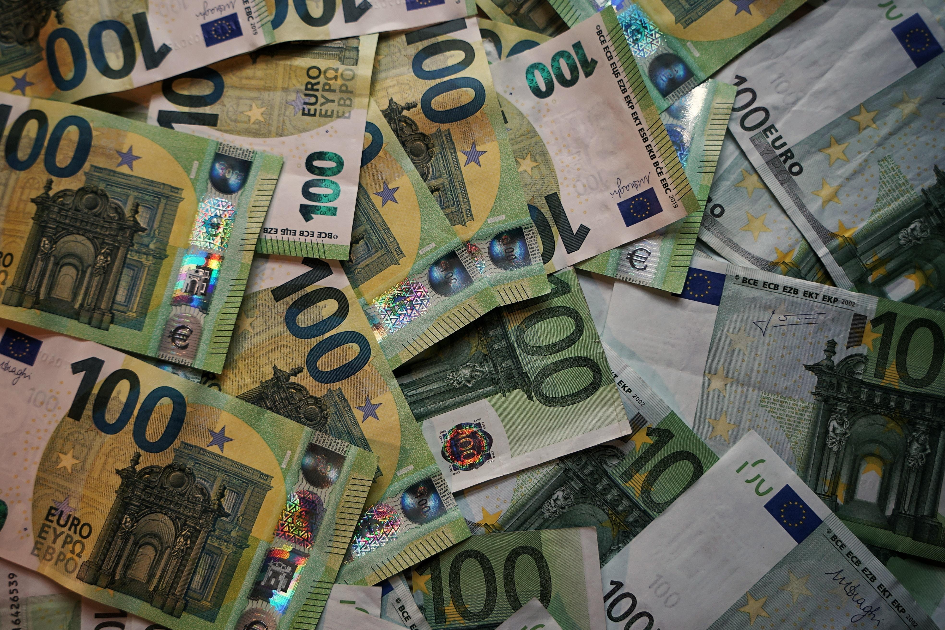 Fél szemünk a zloty-n – milyen hatása van ránk?