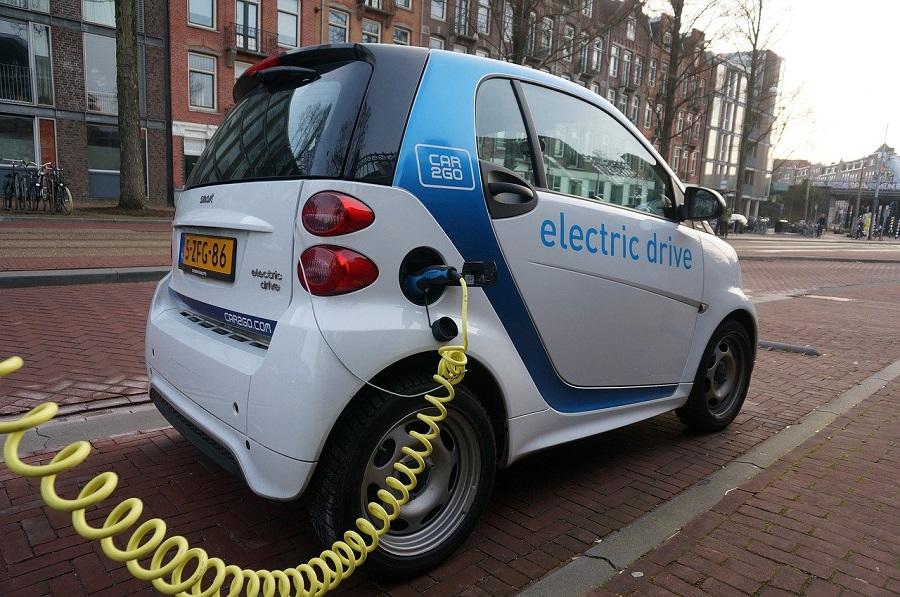 Olcsó villanyautó állami támogatással • Millásreggeli - a gazdasági muppet  show