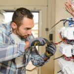 Szívem! 130 nap múlva jön a villanyszerelő! – Szakemberhiány az építőiparban