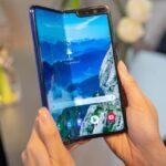 Méregdrága duplaképernyős telefonok – ezeket meg ki veszi meg?